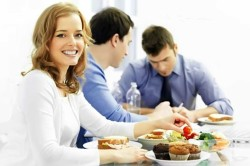Оплата обедов на работе для удержания сотрудников
