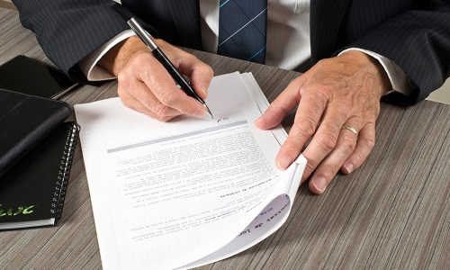Подписание приказа о командировке