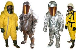 Специальные изолирующие костюмы для защиты тела
