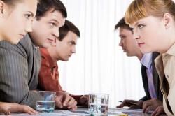 Конфликт в коллективе при неправильном управлении